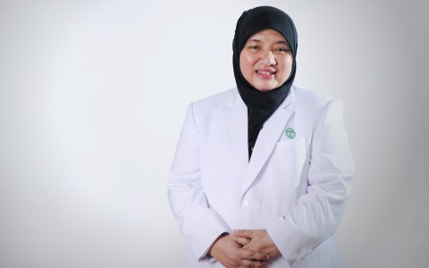 Dyah Agustina Waluyo, Dr.