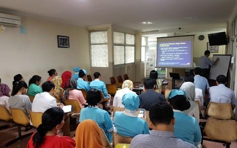 "Kuliah Dr. Sugiono Somoastro, Sp.PD – KHOM ""Kanker Paru & Tarceva pilihan terapi pada NSCLC"""